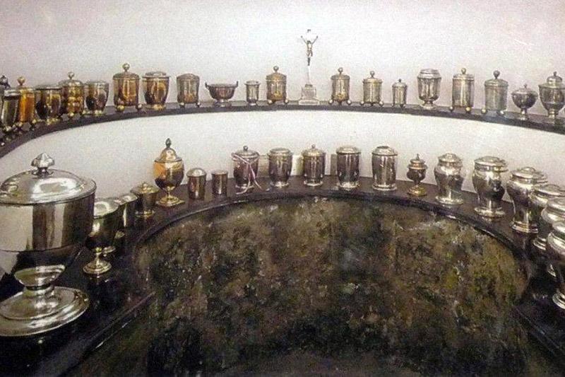 Гробница с сердцами Габсбургов