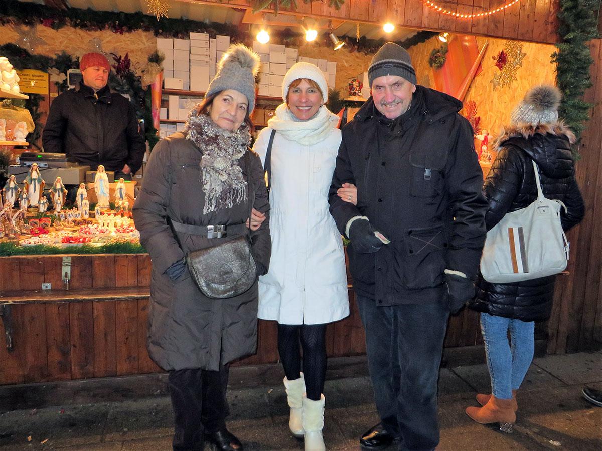 Die Wiener gehen mit Friends in Vienna zum Christkindlmarkt!